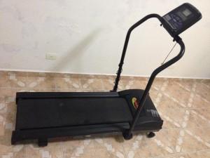 esteira Athletic Speedy 2 300x225 Esteira Elétrica Athletic Speedy 2